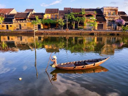 Transport From Hue To Hoi an By Private Car